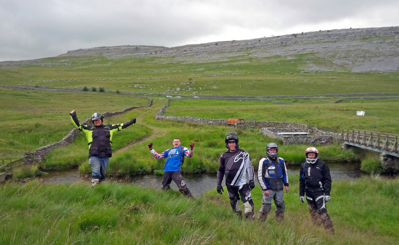 Byway-Tour-BT4TW-progressive-group-nearing-Clitheroe